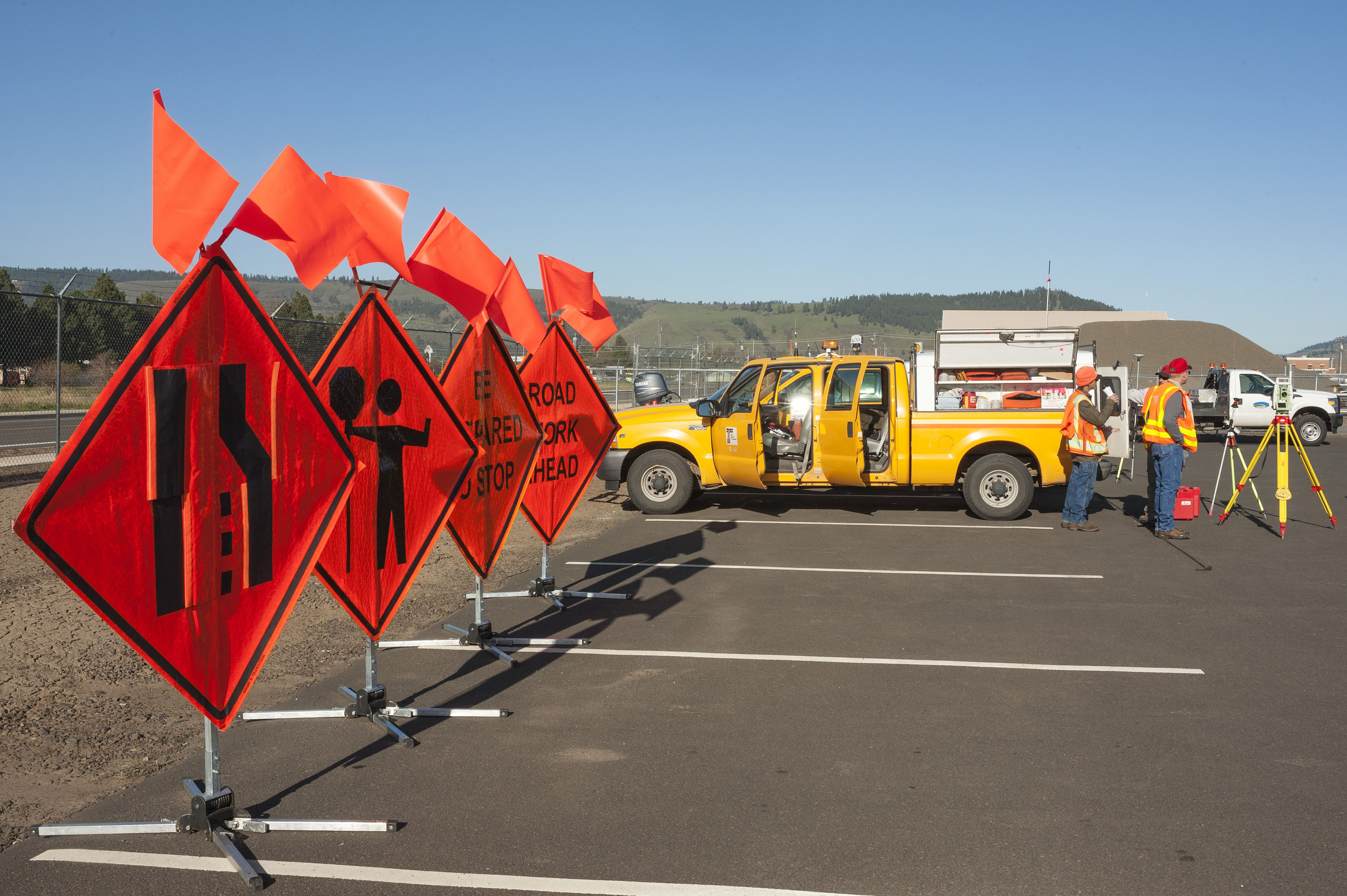 WHAT EVERY DRIVER SHOULD KNOW ABOUT HIGHWAY CONSTRUCTION ZONES